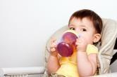 유아가 이온 음료를 과잉 섭취하면 위험한 이유는?